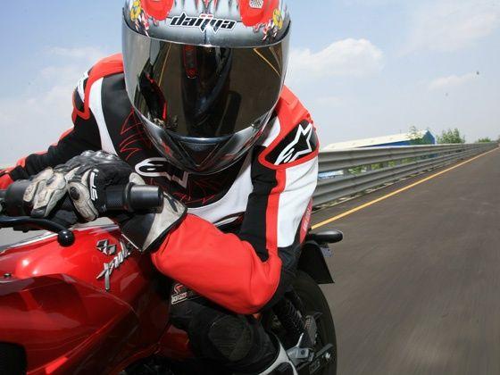 KTM 200 Duke Bajaj