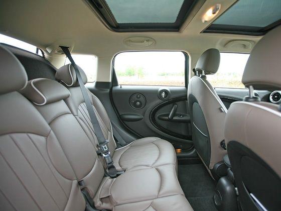 Mini Countryman rear passenger legroom