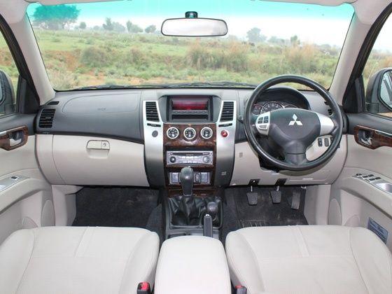 Mitsubishi Pajero Sport interior cabin