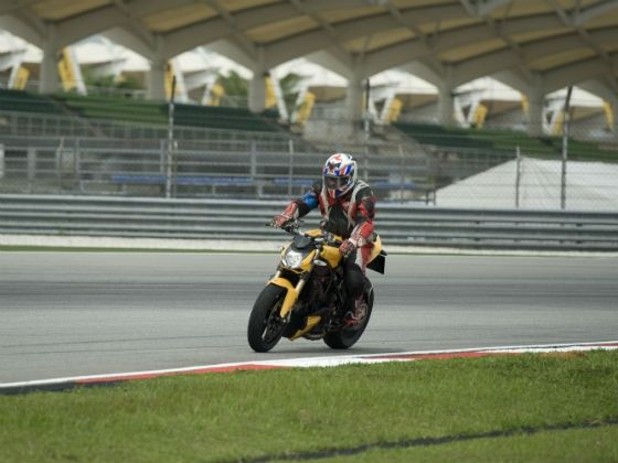 Ducati Streetfighter 848 in action at Sepang
