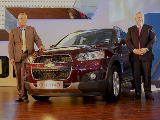 New Chevrolet Captiva unveiled at Delhi Auto Expo 2012