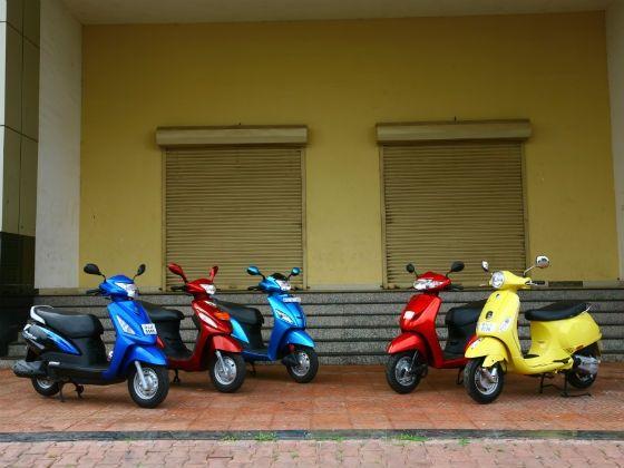 2012-scooter-comparo-main.jpg