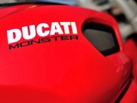 thmb_Ducati-monster-795