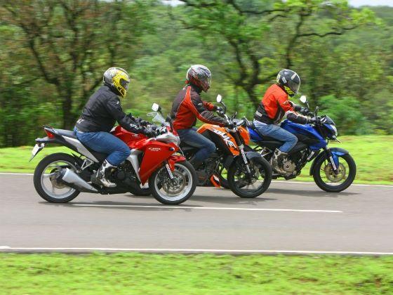 Duke 200 Honda CBR Pulsar 200NS exterior