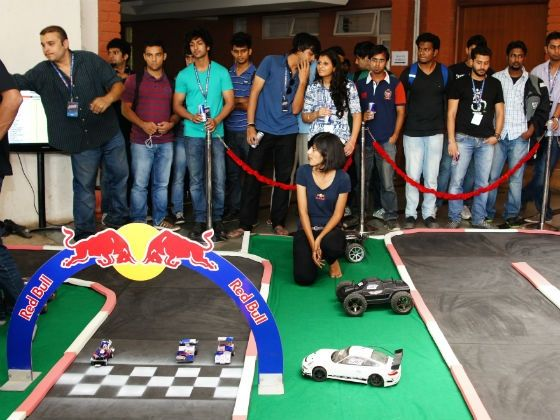 2012-red-bull-racing-can-pune-02