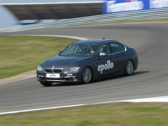 Car equipped with Apollo tyres on the track