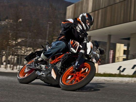 KTM 390 Duke in action