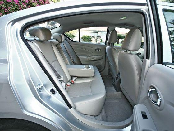 Nissan Sunny passenger legroom