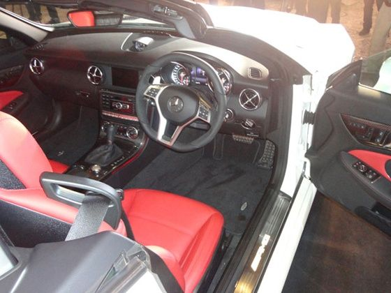 Mercedes-Benz SLK 55 AMG interiors