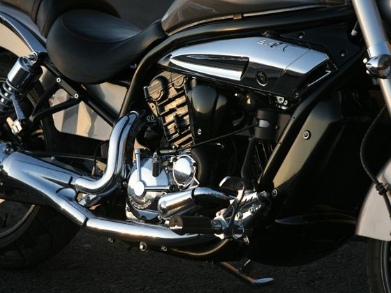 Hyosung GV650 Aquila Pro black and chrome parts