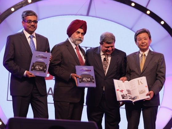 Hiroshi Nakagawa, Sandeep Singh and Adil Jal Darukhanawala launch the ZigWheels AutoTech book