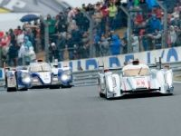 2013 24 Hours of Le Mans gets underway