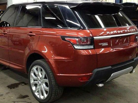 Rear shot of 2014 Range Rover Sport