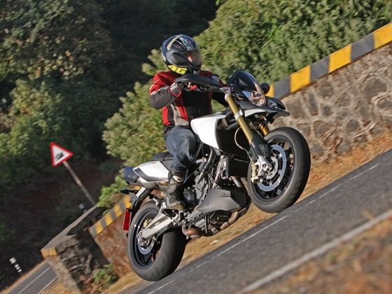 Aprilia Dorsoduro 1200 in action