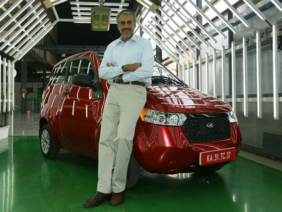 Chetan Maini with the Mahindra e2o