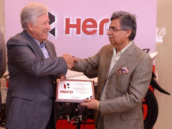 Pawan Munjal with Indy Motos executive at the launch