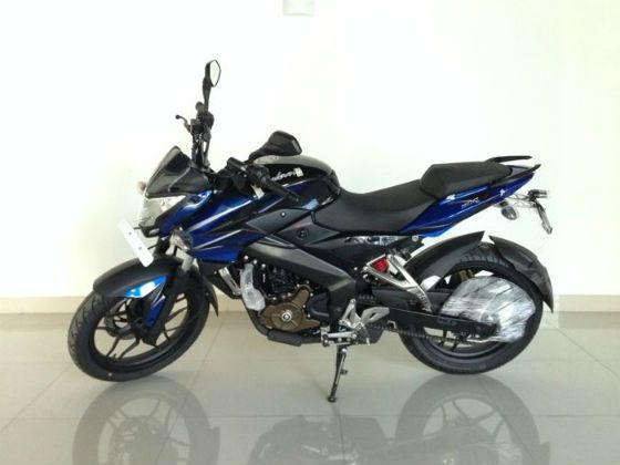 Bajaj Pulsar 200NS blue and black
