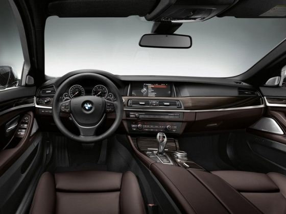 Face-lifted BMW 5 Series interior