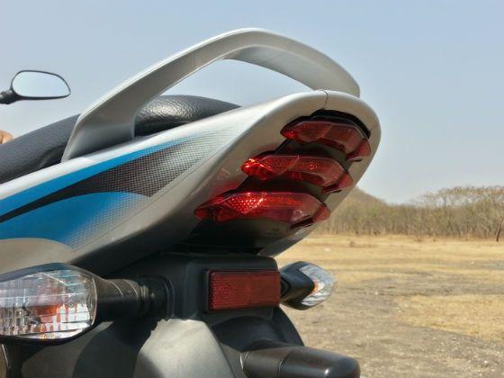 Bajaj Discover 125M tailamp
