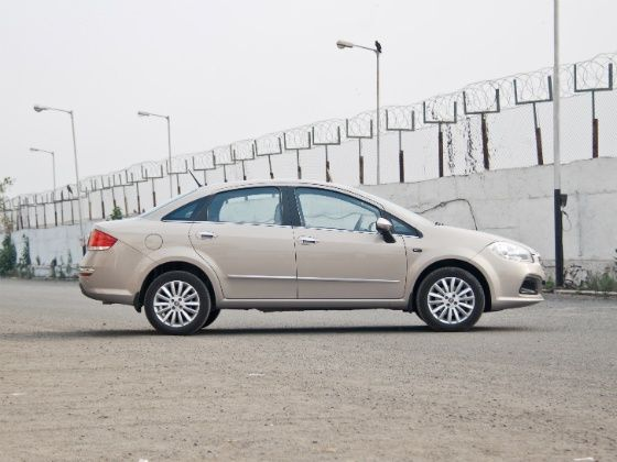 2014 Fiat Linea T-Jet Side still
