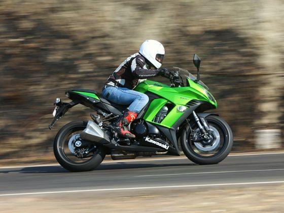 Kawasaki Ninja 1000 action shot