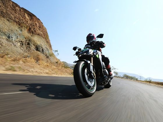 2014 Kawasaki Z1000 front action