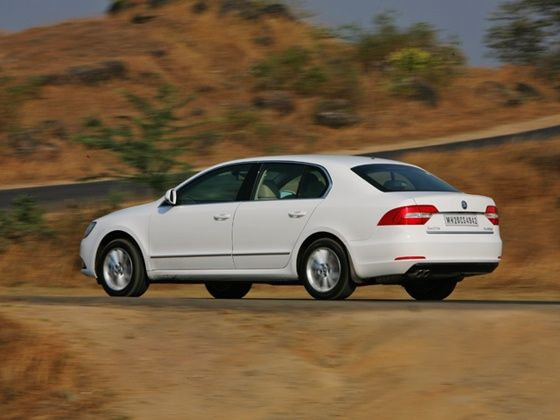 2014 New Skoda Superb rear in action