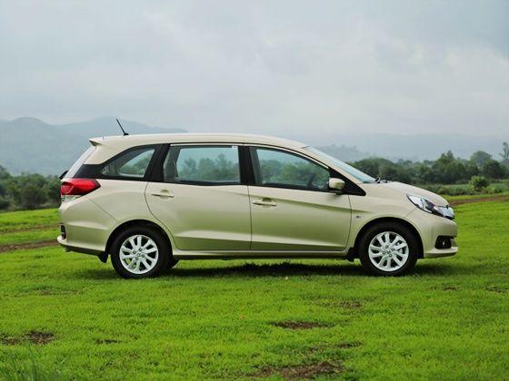 Honda Mobilio Review side