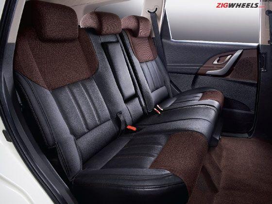 Mahindra XUV500 Sportz leather-fabric-seats