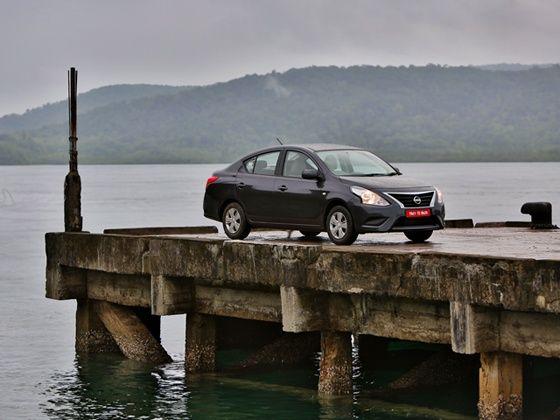 2014 Nissan Sunny front static shot