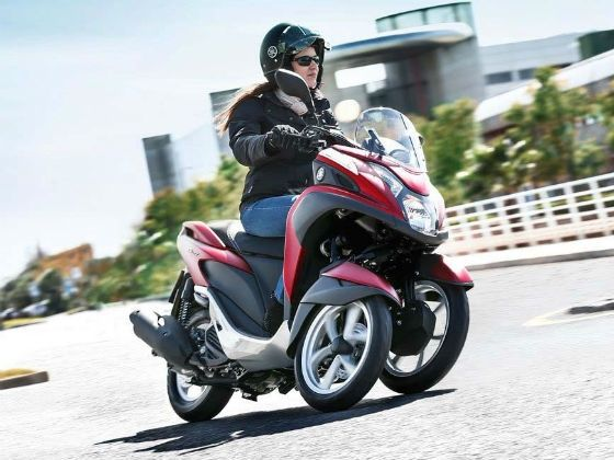 Yamaha Tricity scooter action shot