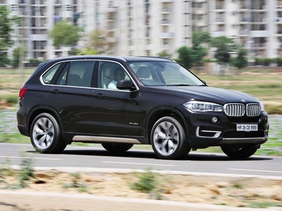 2014 BMW X5 xDrive 30d in action