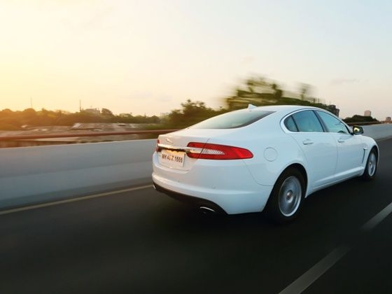 Jaguar XF 2.0 litre rear tracking