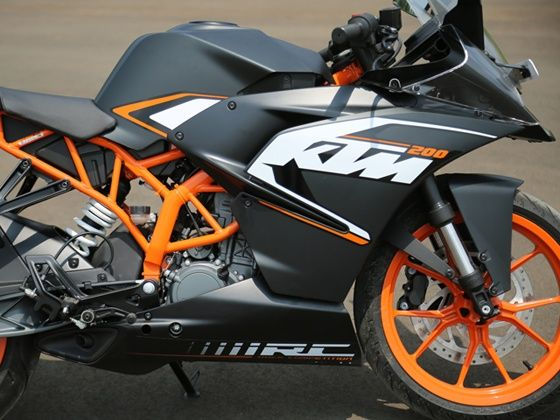 KTM RC200 engine