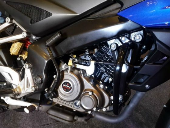149.5cc engine of the Pulsar AS 150