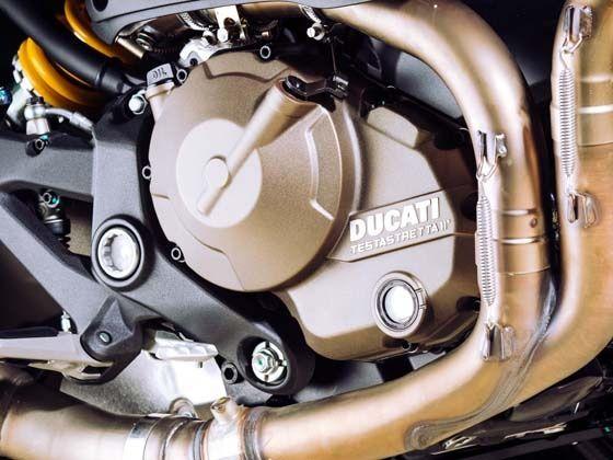 821cc Testastretta 11 degree L-twin engine