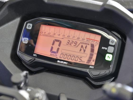 Suzuki Gixxer SF instrument console
