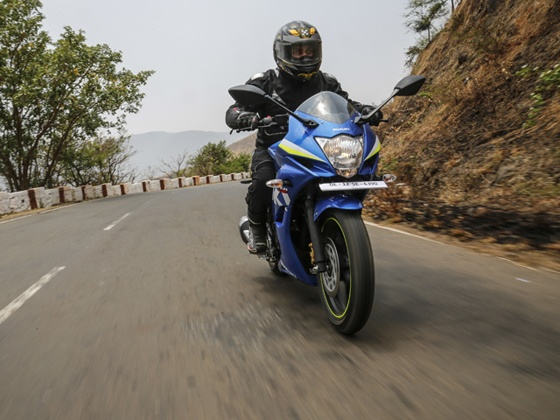 For most part the full-fairing Gixxer SF feels more alert than its half-fairing equipped rivals