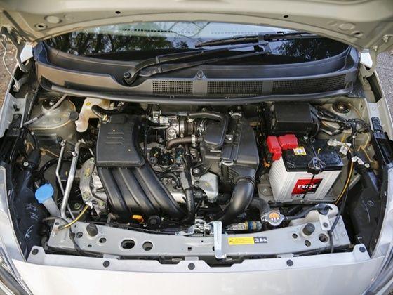 Datsun Go+ engine shot