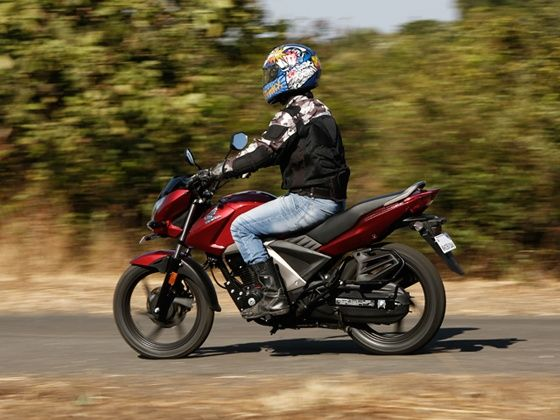 Honda CB Unicorn 160 in action