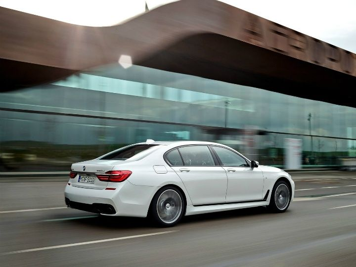 BMW 7 Series revealed rear