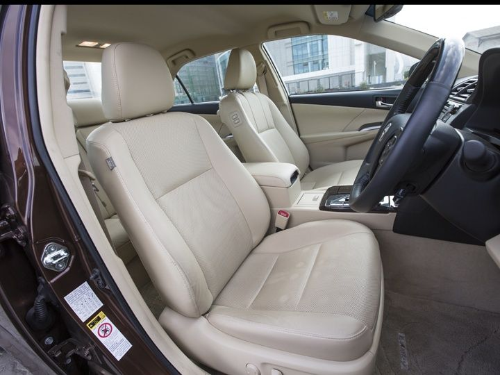 Toyota Camry Hybrid front seats