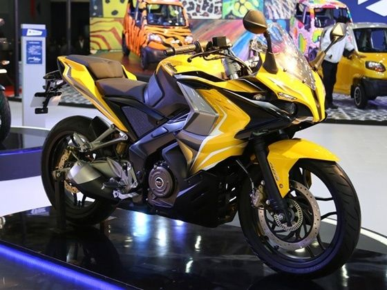 New Bajaj Pulsar SS400 at the 2014 Auto Expo