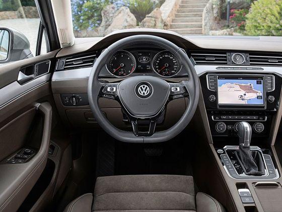 2015 Volkswagen Passat interiors