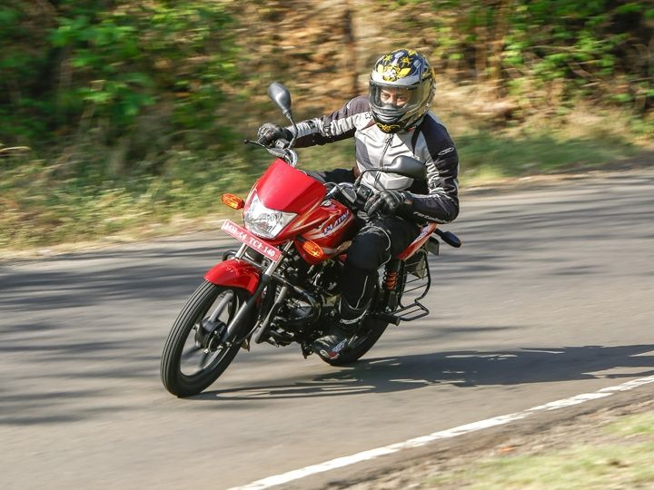 ZigWheels tests the ride and handling of the new Bajaj Platina ES