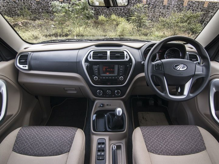 2015 Mahindra TUV300 Review dashboard