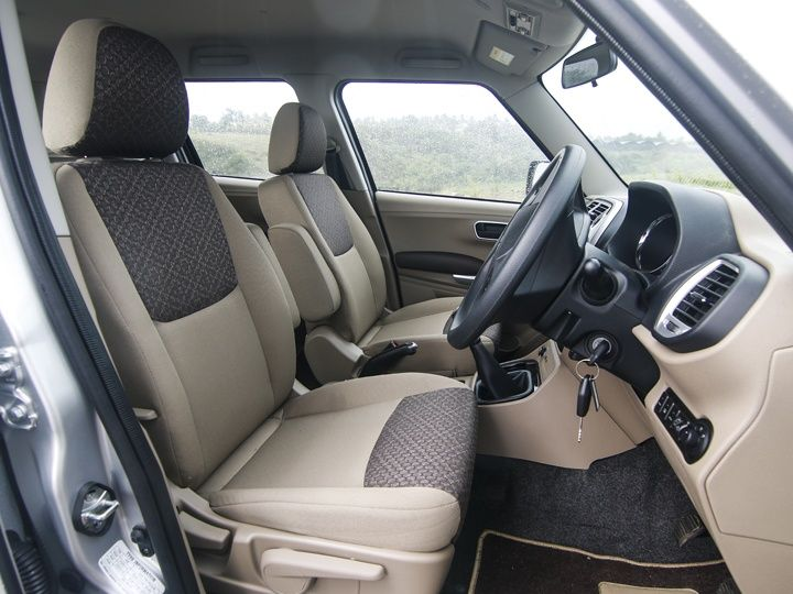 2015 Mahindra TUV300 Review front seats