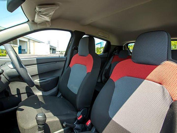 Thin padding of the seats of Renault Kwid