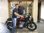 Aamir Khan with his Bajaj V15