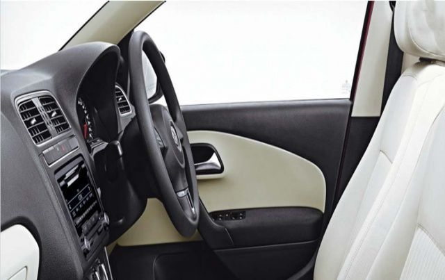 Volkswagen Polo Adjustable Steering Wheel